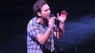 Download Pearl Jam - Comfortably Numb (Live in Santiago, Chile 2018) Video