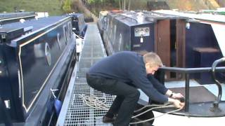 Download Mooring up to a pier Video