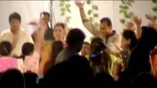Download Ambanis dance to dandiya beats Video