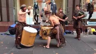 Download Awesome Scottish street music - Clanadonia Video