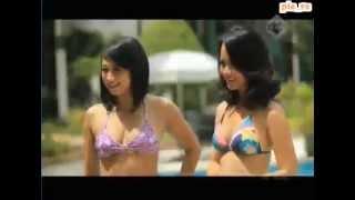 Download Hot Football Host Video