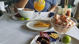 Download Comiendo coctel de conchas y ceviche de camaron en Acajutla Sonsonate El Salvador svl Video