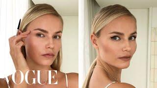 Download Supermodel Natasha Poly's 3-Step Perfect Cat-Eye | Beauty Secrets | Vogue Video
