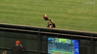 Download SD@SF: Pagan leaps at the wall to bring back home run Video