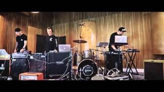 Download Auer/Err Bits/Uncl - The Vault Session Video
