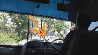 Download ADA dua POLISI Bejo AKSI bus SUMBER SLAMET Ngeblong jam mepet macet panjang tidak kena tilang Video