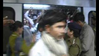 Download Men Beaten For Entering Ladies Coach On Metro Video