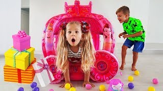 Download Diana and Toys Delivery Video