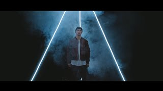 Download Illy - Papercuts (feat. Vera Blue) Video