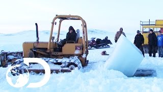 Download Mining at the Bottom of the Bering Sea During an Arctic Winter | Gold Divers Video