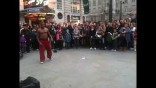Download Break-Dance Battle Between Perfomer and Public Kid @ Picadilly Circus Video