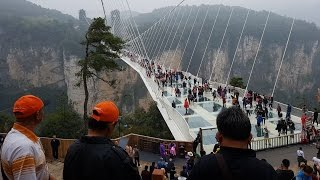Download ZhangJiaJie Glass Bridge 4 of 7 Video