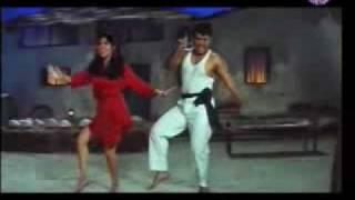 Download Sarkay Liyo Khatiya (Karishma Govinda) Video