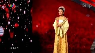 Download Cô gái hát 4 thứ tiếng khiến Hoài Linh ''bật dậy'' khỏi ghế nóng. Video