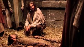 Download Jesus Perdoa Pecados e Cura um Homem Acometido de Paralisia Video