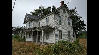 Download Abandoned Farm house untouched (lots of antiques and items from 1940s-1950s) Video