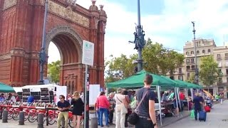 Download How to Easily Get Around Barcelona | Expedia Viewfinder Travel Blog Video