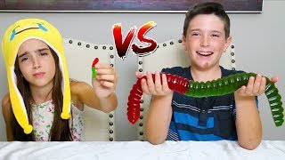 Download MINI GUMMY FOOD vs GIANT GUMMY FOOD!! Video