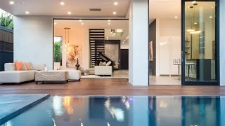 Download Savvy Modern Residence in Los Angeles, California Video