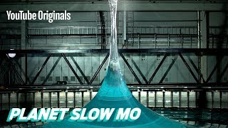 Download 90 ft. Vertical Spike Wave in Slow Mo Video