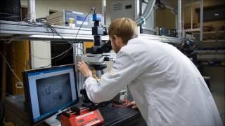 Download Aplastando células humanas con el microHammer Video