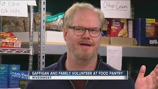 Download Comedian Jim Gaffigan volunteers at local food pantry Video