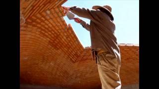 Download Construcción de una Bóveda Catalana, Albañiles que desafían la gravedad. Tienes que verlo! Video