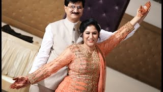 Download Beautiful Couple Dance by Mom & Dad at Sangeet Ceremony on Bollywood Songs Video