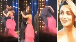 Download Alia Bhatt SHOCKED as Ranbir Kapoor Forcefully KISSES Preiti Zinta on Stage at Filmfare Awards 2019 Video