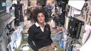Download ЭКСКУРСИЯ ПО МКС от астронавта NASA (русский перевод) Video