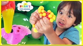 Download SQUISHY BALLS Mesh Slime Learn Colors and Animals Cut Open Squishy Splat Ball Toddlers and Kids Toys Video