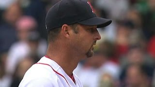 Download MIN@BOS: Wakefield holds the Twins to just one run Video
