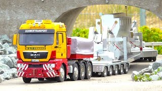 Download FANTASTIC HEAVY HAULAGE RC TRUCK ACTION! STRONG JOB FOR SMALL MAN TRUCK! Video