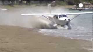 Download Double trouble! Light plane crashes twice on New Zealand beach Video