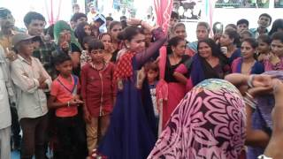Download kinjal dave dance Video