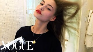 Download Grace Elizabeth's Easy Model-On-Duty Makeup | Beauty Secrets | Vogue Video