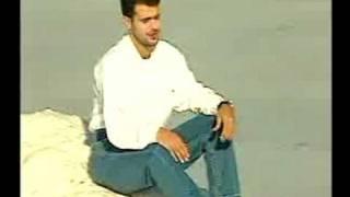 Download مهند محسن - عليك يخافون -البوم تحت امرك 1998 Video
