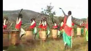 Download BURUNDI DRUMMERS Video