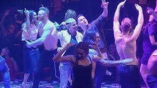 Download Ellen & Channing Tatum Get Rowdy at 'Magic Mike Live' Video