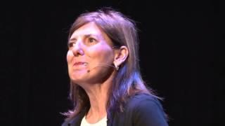 Download Desdramatizar la discapacidad | Ana Clara Tortone | TEDxUCES Video