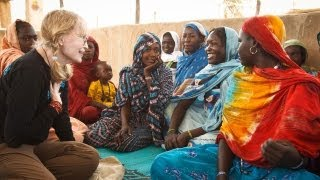 Download Mia Farrow visits Darfur refugees in Chad Video