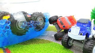 Download #МАШИНКИ Игры для мальчиков: Чудо Машинки #ВСПЫШ и Крушила! Гонки с иностранцем! Падение в бассейн! Video
