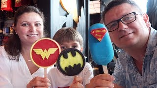 Download Family in DC Comics Super Heroes Cafe Review Video