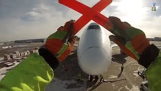 Download GoPro - Singapore Airlines Cargo Ramp Agent POV at Chicago O'Hare Int'l Airport [01.27.2014] Video