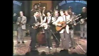 Download The Best Of Bluegrass - Roll in My Sweet Baby's Arms 1991 Video