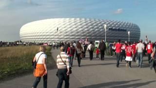 Download WERDER vs BAYERN MÜNCHEN, Fußweg vom Parkhaus zur Allianz Arena Video