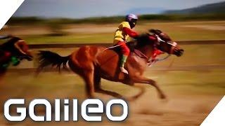 Download Die Kinder-Jockeys aus Indonesien - Je leichter desto schneller | Galileo Lunch Break Video