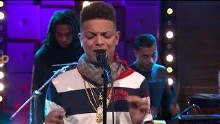 Download Ronnie Flex - Plek Als Dit - RTL LATE NIGHT Video