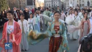 Download Flash mob in historical Chinese costume surprises Londoners Video