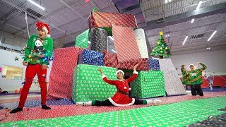 Download WE MADE A SUPER CRAZY GIANT CHRISTMAS HOUSE! Video